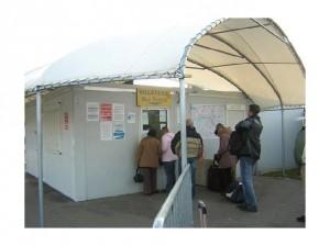 2581154-Tickets_desk_in_Beauvais_Airport_Paris