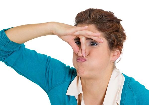 odori pungenti difficili da sopportare