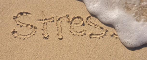 Abbattere lo stress come l'acqua cancella una scritta sulla sabbia